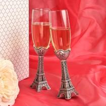 Eiffel Tower design champagne flutes