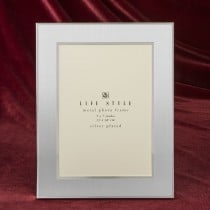Brushed silver two tone 5 x 7 picture frame