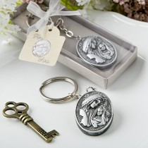 Madonna and Child themed key chain from fashioncraft